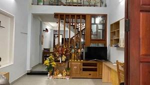 Kẹt tiền bán gấp nhà chính chủ đường Ni Sư Huỳnh Liên, Quận Tân Bình