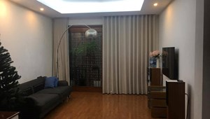 Bán gấp nhà Nguyễn Văn Huyên, 2 thoáng, 5 tầng, ô tô, kinh doanh tốt
