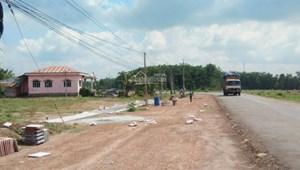 Bán đất KCN Becamex-DT 300m2 mặt tiền đường nhựa 32m-SHR TC 100m2-giá 680 triệu