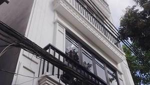 Mặt ngõ ô tô Phan Kế Bính 46m2, nhà 4 tầng, mặt tiền 4,5m, lô góc 2 mặt ngõ 4,8 tỷ có TL