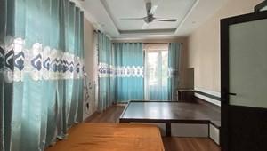 Nhà kiểu biệt thự sân vườn Long Biên 170m, giá không tưởng 8.6 tỷ