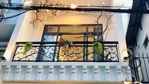 Chính chủ cần bán căn nhà sát mặt tiền Nguyễn Cửu Vân HXH 50m2 3 lầu đầy đủ tiên nghi 6.2 tỷ